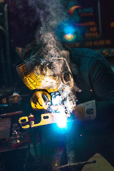 metaal staal metaaloplossing metaaltoepassing staalproduct laten maken engineering produceren monteren serie werk seriewerk onderhouden restaureren metaalbewerkingsbedrijf