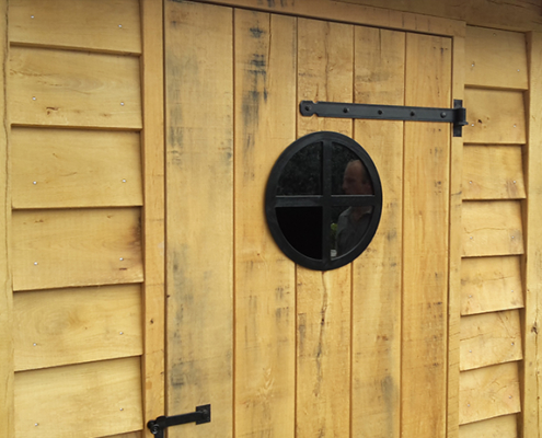 stalen pui laten maken raam monteren poedercoating weersbestendig metaalbewerker metaalbewerking vlastech