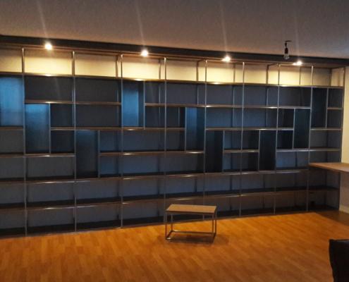 boekenkast laten maken bureau kruk staal metaal monteren ontwerpen staalbewerking metaalbewerking vlastech