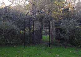 rozenboog laten maken metaal staal tuin poort metaalbewerkingsbedrijf metaalbewerking