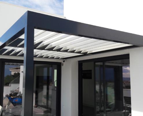 veranda laten maken aluminium louvre zonwering staal metaal product op maat staalbewerking metaalbewerking